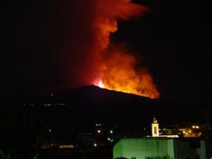 Etna erupion and lava 120111