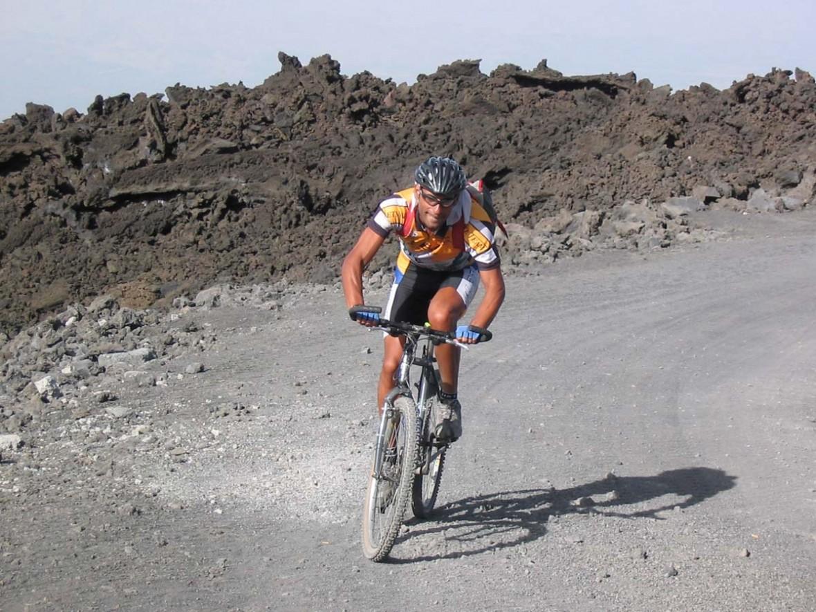 Pedalare sull'Etna